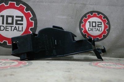 Накладка решетки радиатора правая Mercedes Benz A-class 180/200/250 W176