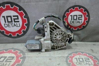 Моторчик стеклоподъемника передний правый Audi A6