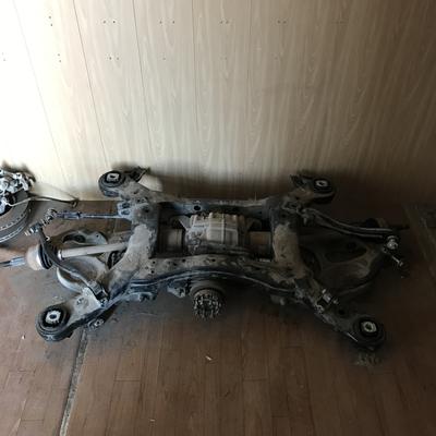 Подрамник задний, подвеска задняя, привода, редуктор (диференциал), моторчик блокировки заднего моста Jeep Grand Cherokee WK2