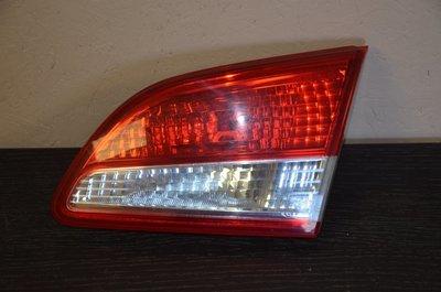 Фонарь задний правый внутренний Nissan Almera G15