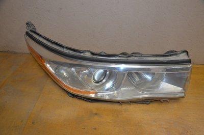 Фара правая Toyota Highlander 3