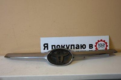 Накладка на решетку радиатора Toyota Highlander III
