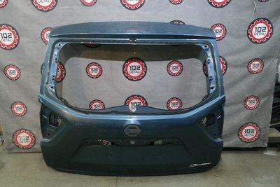 Дверь багажника Nissan Terrano III