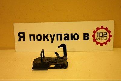 Крюк замка капота Volkswagen Touareg NF/Passat B6