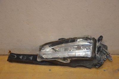 Фара противотуманная левая Lexus NX200