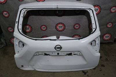 Дверь багажника Nissan Terrano 3