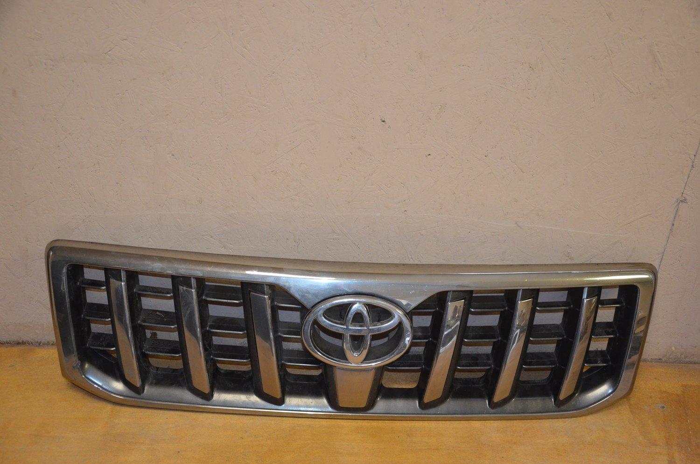 Решетка радиатора Toyota Land Cruiser Prado