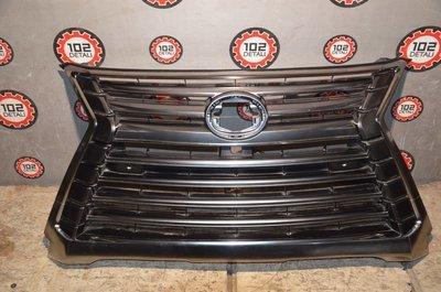 Решетка радиатора Lexus LX570