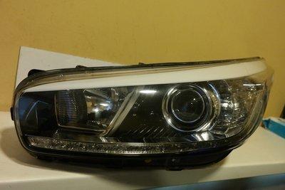 Фара левая Kia Ceed 2 Xenon + дхо LED 2012г