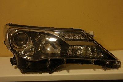 Фара правая Toyota RAV 4 LED Дхо