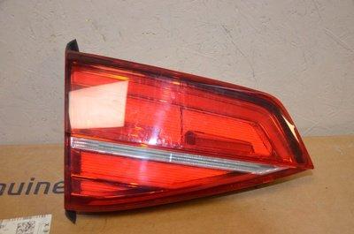 Фонарь левый внутренний Volkswagen Jetta 6 LED