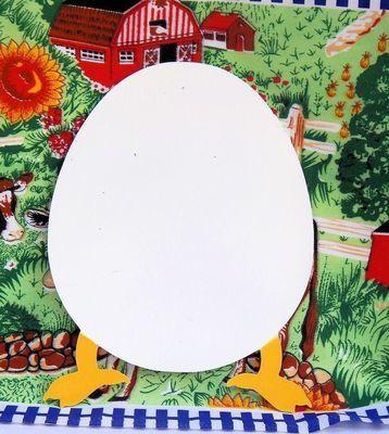 Trivet-Egg with Feet