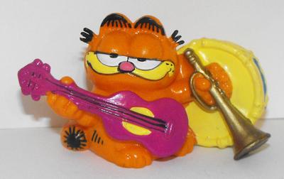Garfield the Musician Plastic Figurine