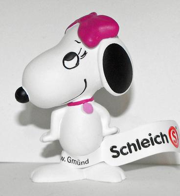 Snoopy's Sister Belle Happy 2inch Figurine Peanuts Miniature Figure