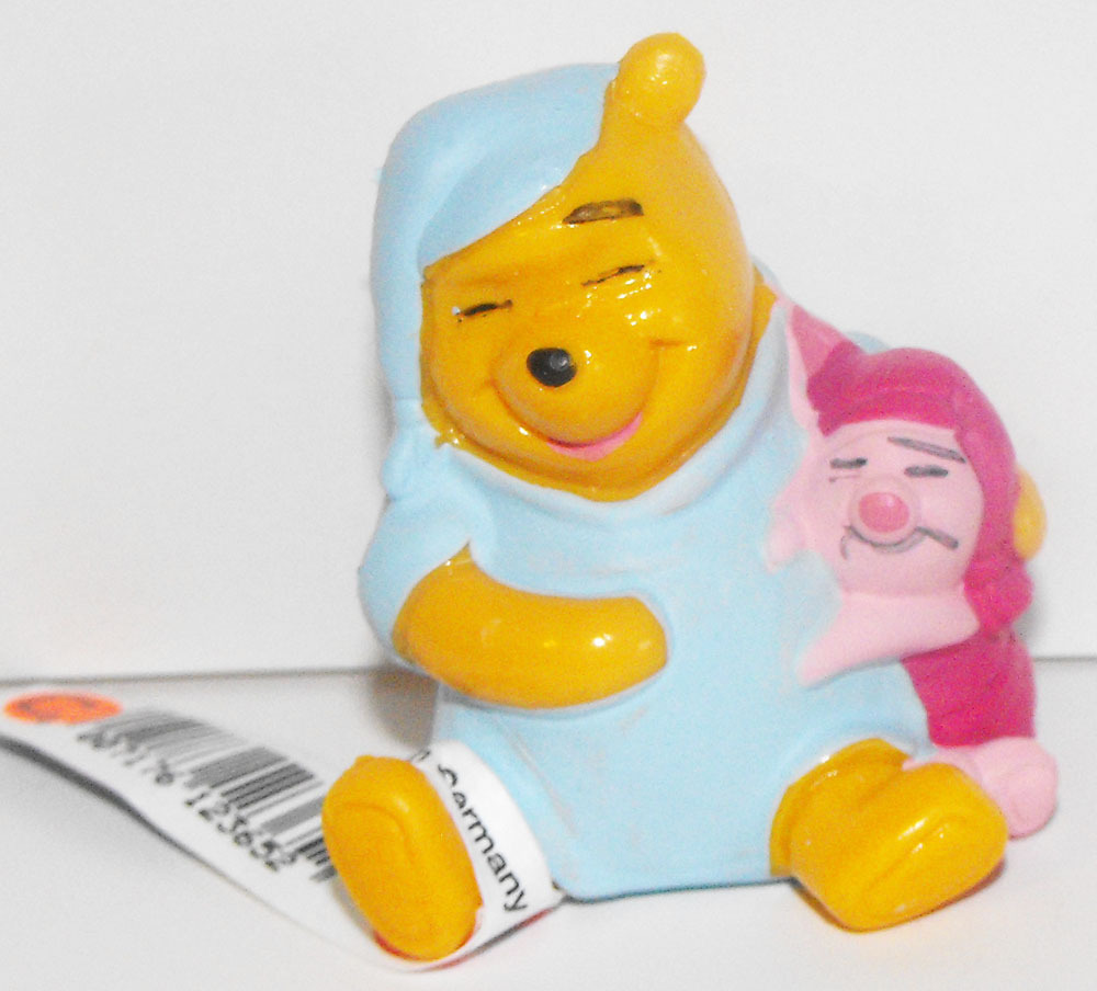 Winnie the Pooh & Piglet Sleeping Plastic Figurine Disney Miniature Figure