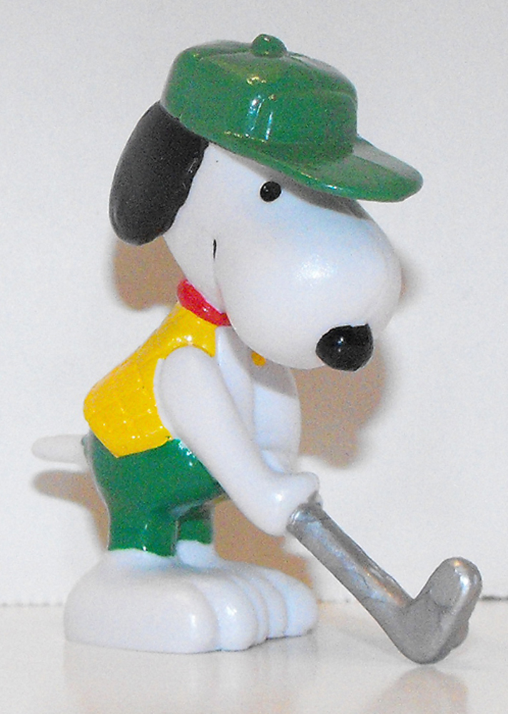 Putting Snoopy (green hat) 2 inch Figurine Peanuts Miniature Figure