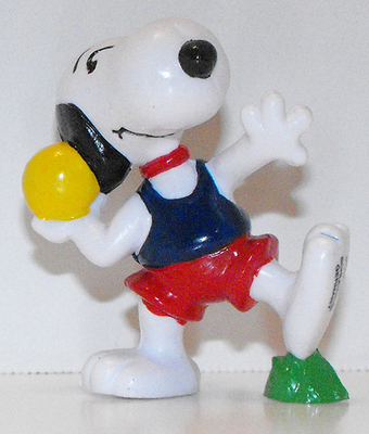 Snoopy Shotput 2 inch Plastic Figurine Peanuts Miniature Figure