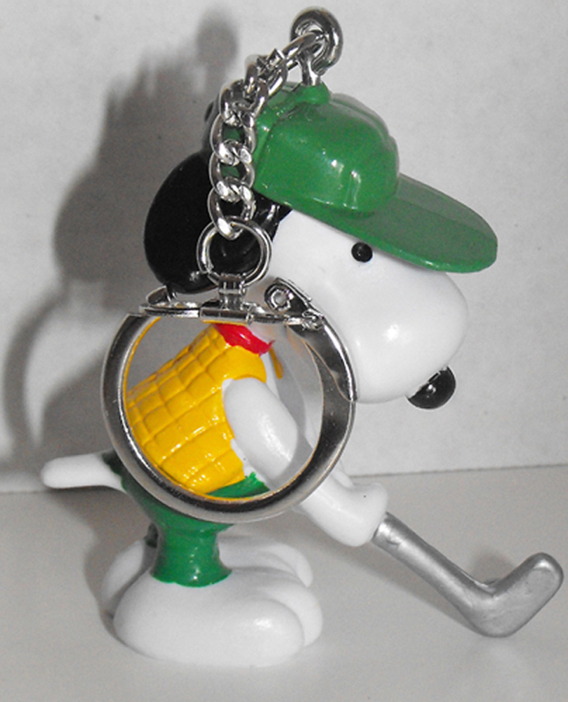 Golfer Putting Snoopy (green hat) Figurine Keychain Peanuts Miniature Figure Key Chain