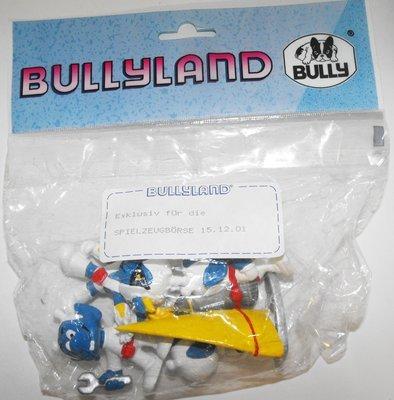 Set of 4 Blue & White Astrosnik Figurines
