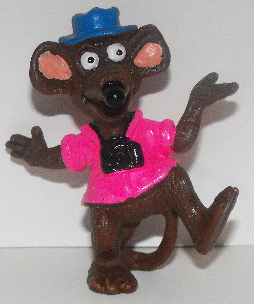Rizzo the Rat with Camera 2 inch Figurine Muppets Plastic Figure