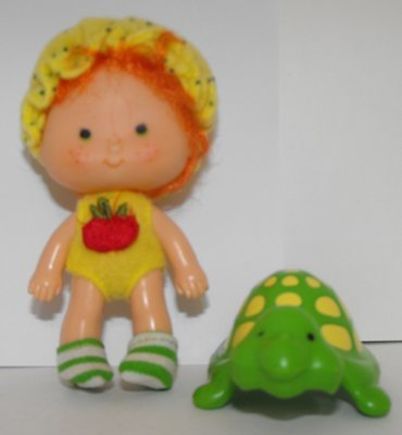 Apple Dumplin' 1st Edition Doll and Pet Vintage Strawberry Shortcake