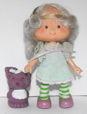 Angel Cake and Pet Second Edition Doll Vintage Strawberry Shortcake