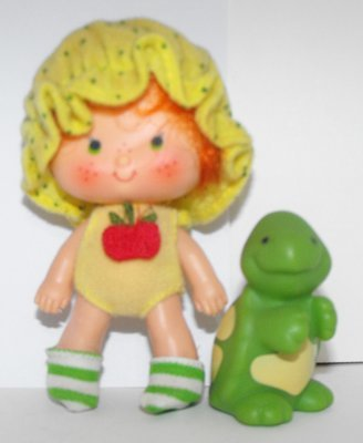 Apple Dumplin' Second Edition Doll and Pet Vintage Strawberry Shortcake