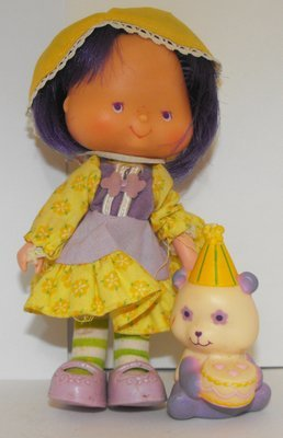 Party Pleaser Almond Tea Doll and Pet Vintage Strawberry Shortcake