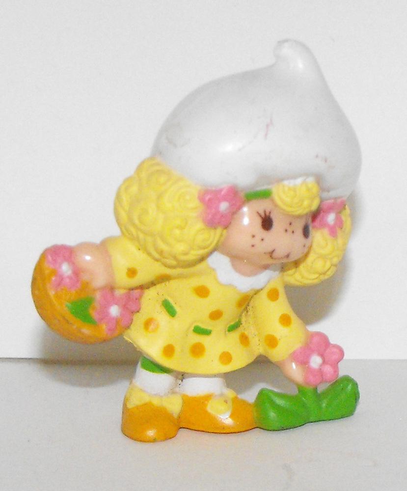 Lemon Meringue with Bouquet Miniature