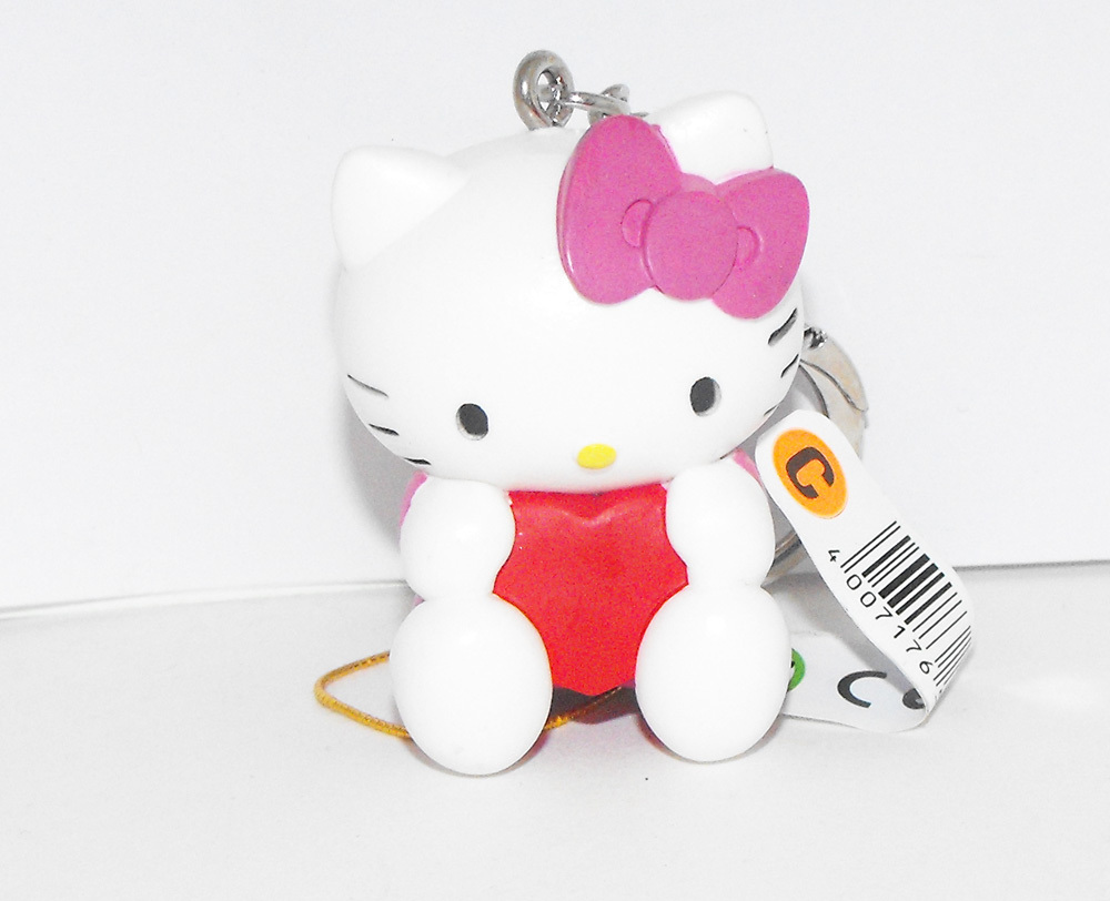 Hello Kitty Pink Bow Red Heart 2 inch Plastic Figurine Key Chain Figure Keychain