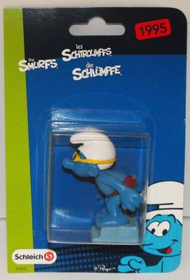 Swimmer Smurf Plastic Figurine in Package 20440