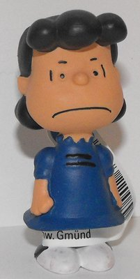 Lucy Figurine Schleich 2 inch Plastic Miniature Figure PEANUTS SNOOPY