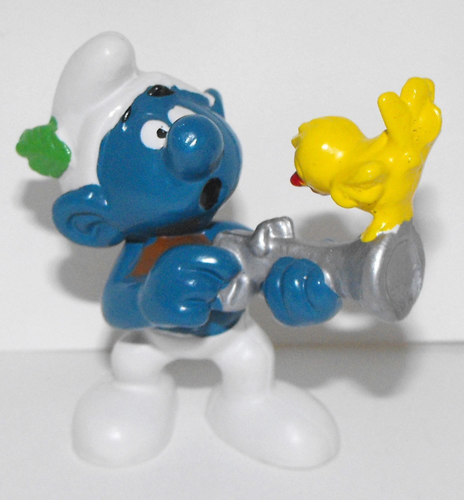 Hunter Smurf 2 inch Plastic Figurine 20106 Vintage Plastic Figure
