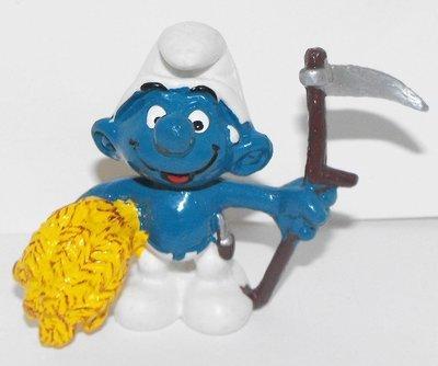 Farmer Smurf 2 inch Plastic Figurine 20145