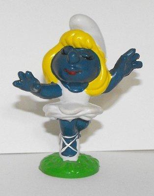 Smurfette Ballerina Dancer Vintage Figurine 20098