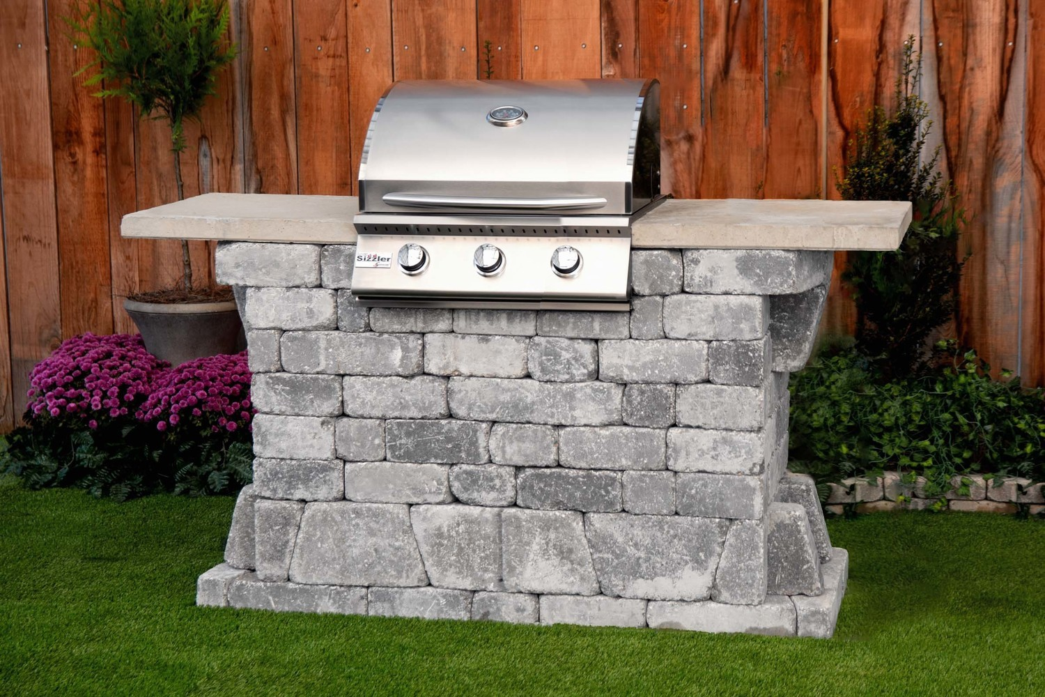 Williard 26 Grill Station (FREE firepit)