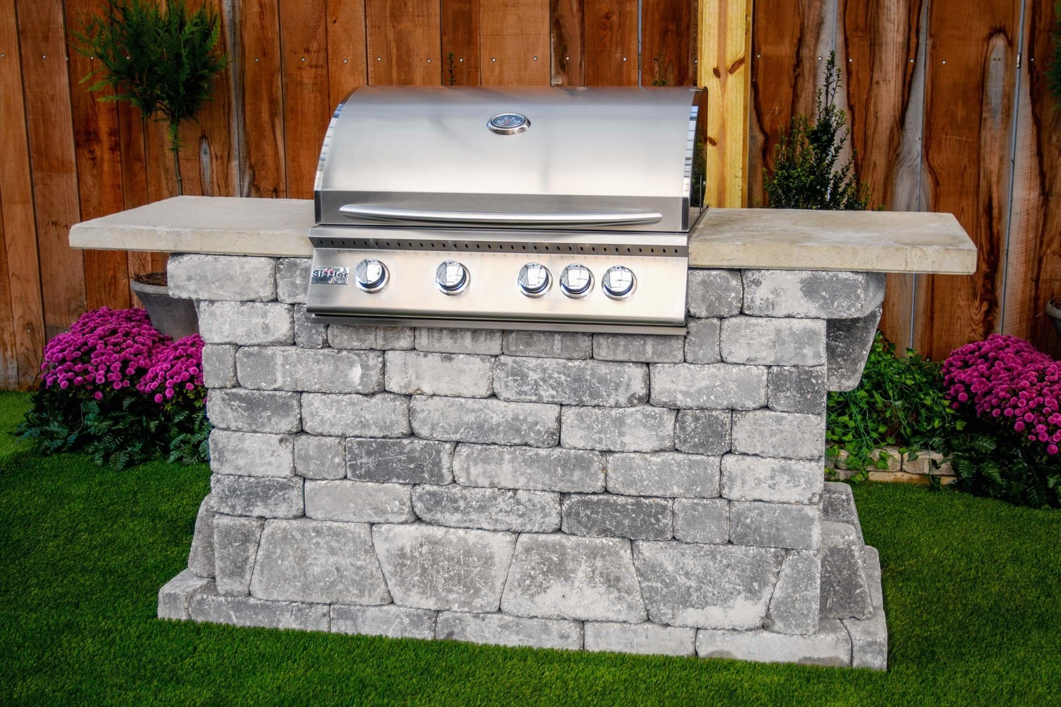 Williard 32 Grill Station (FREE firepit)