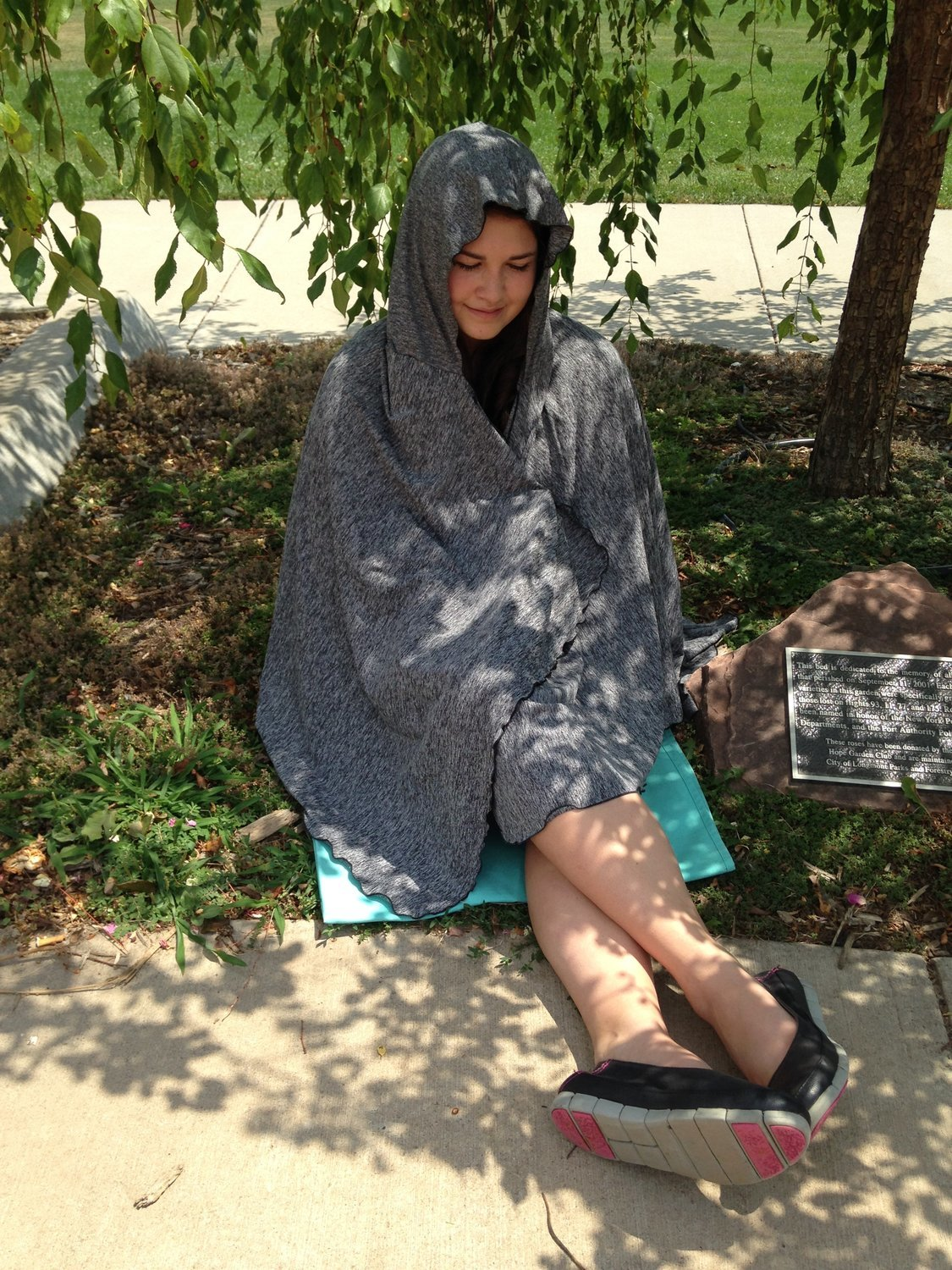 SPF 50 Long Hooded Shawl Grey