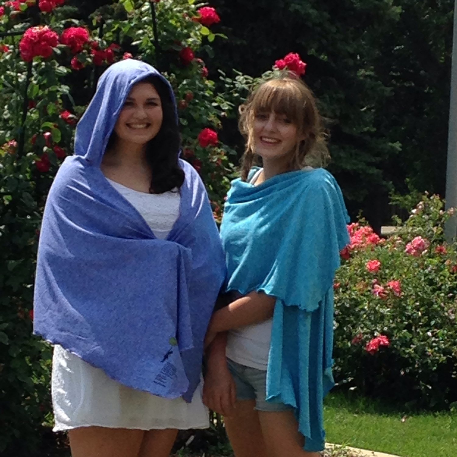 SPF 50 Short Hooded Shawl Turquoise (on the right)