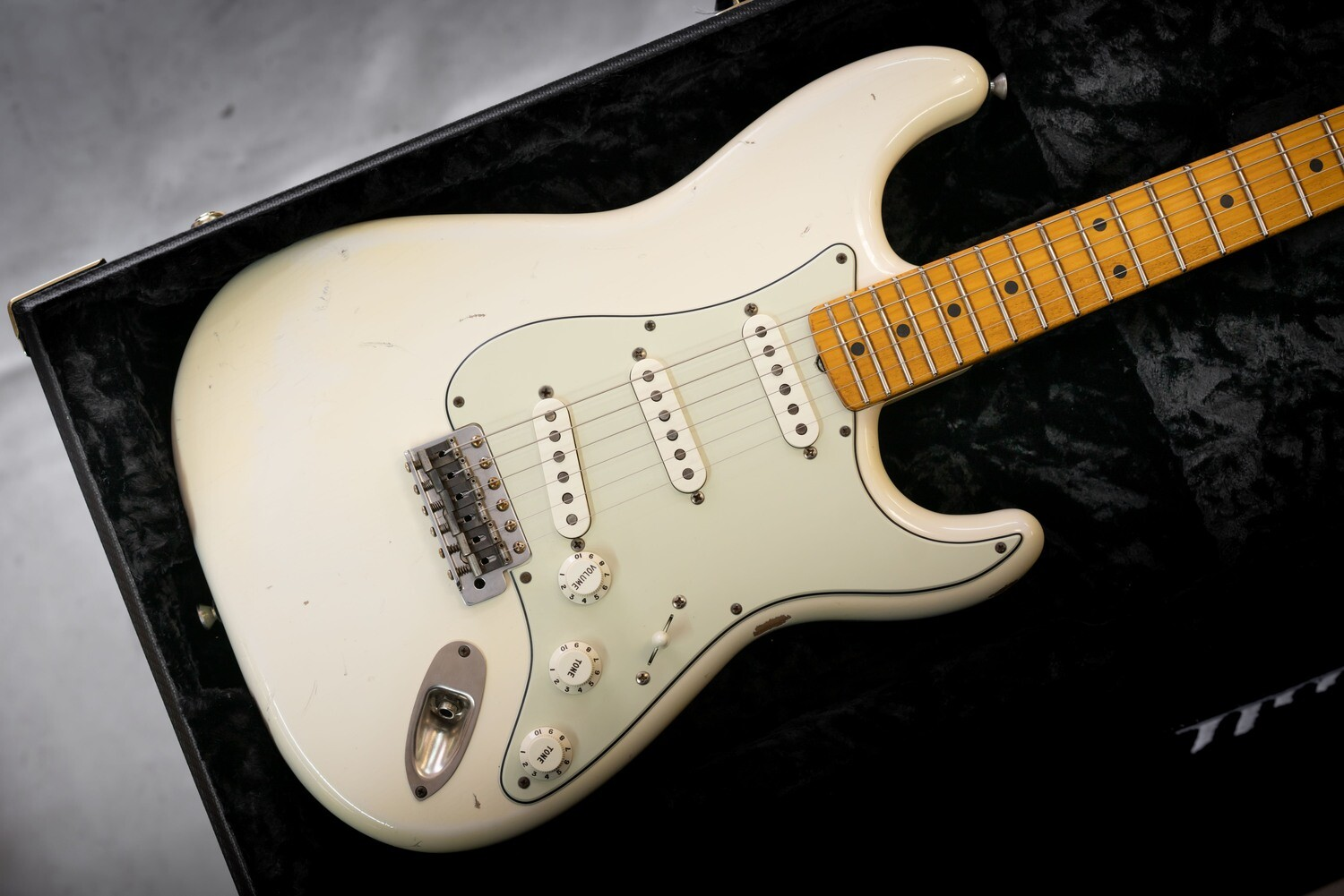 S-Classic, Aged White