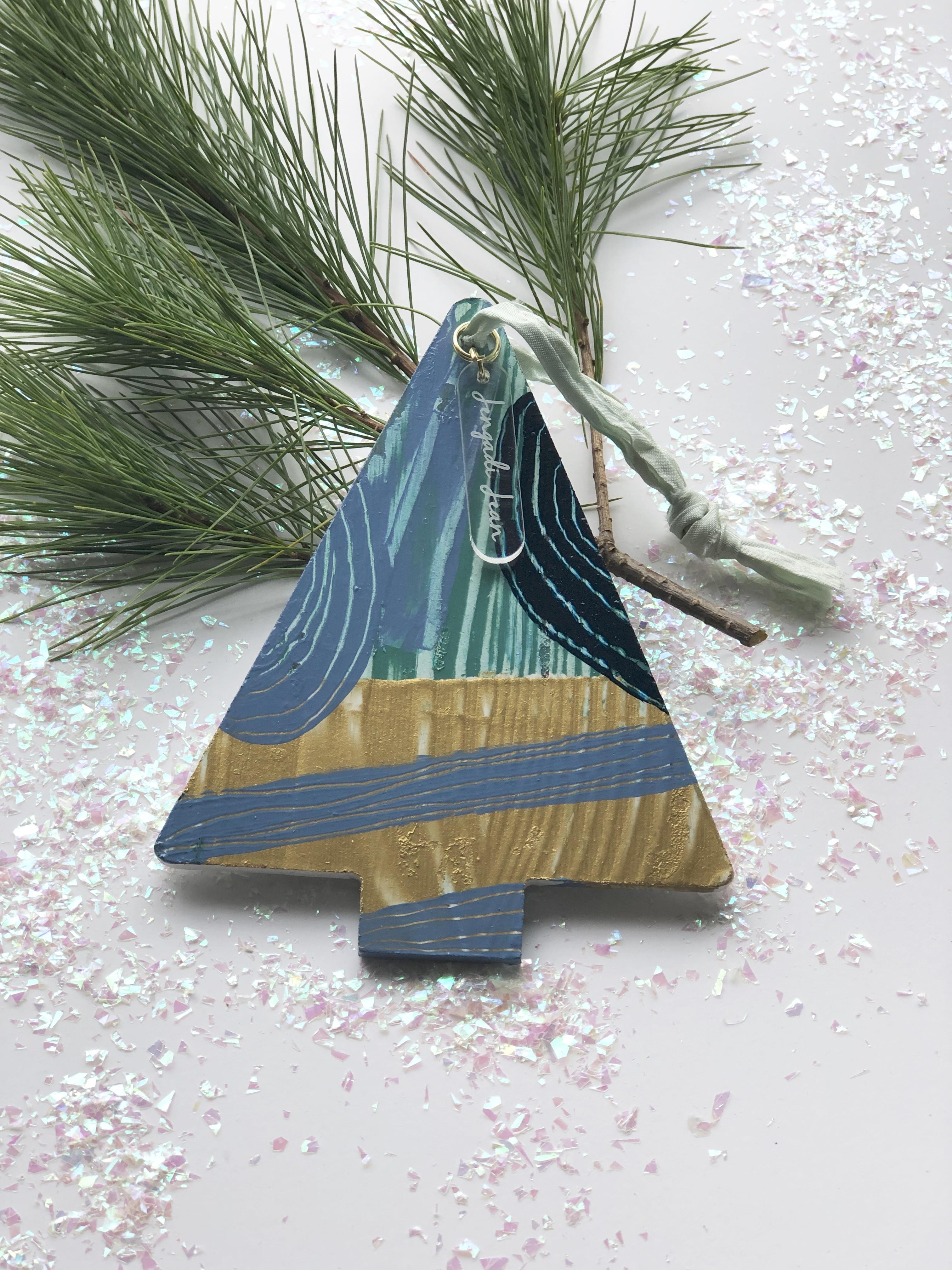 Ornament No. 5 00123