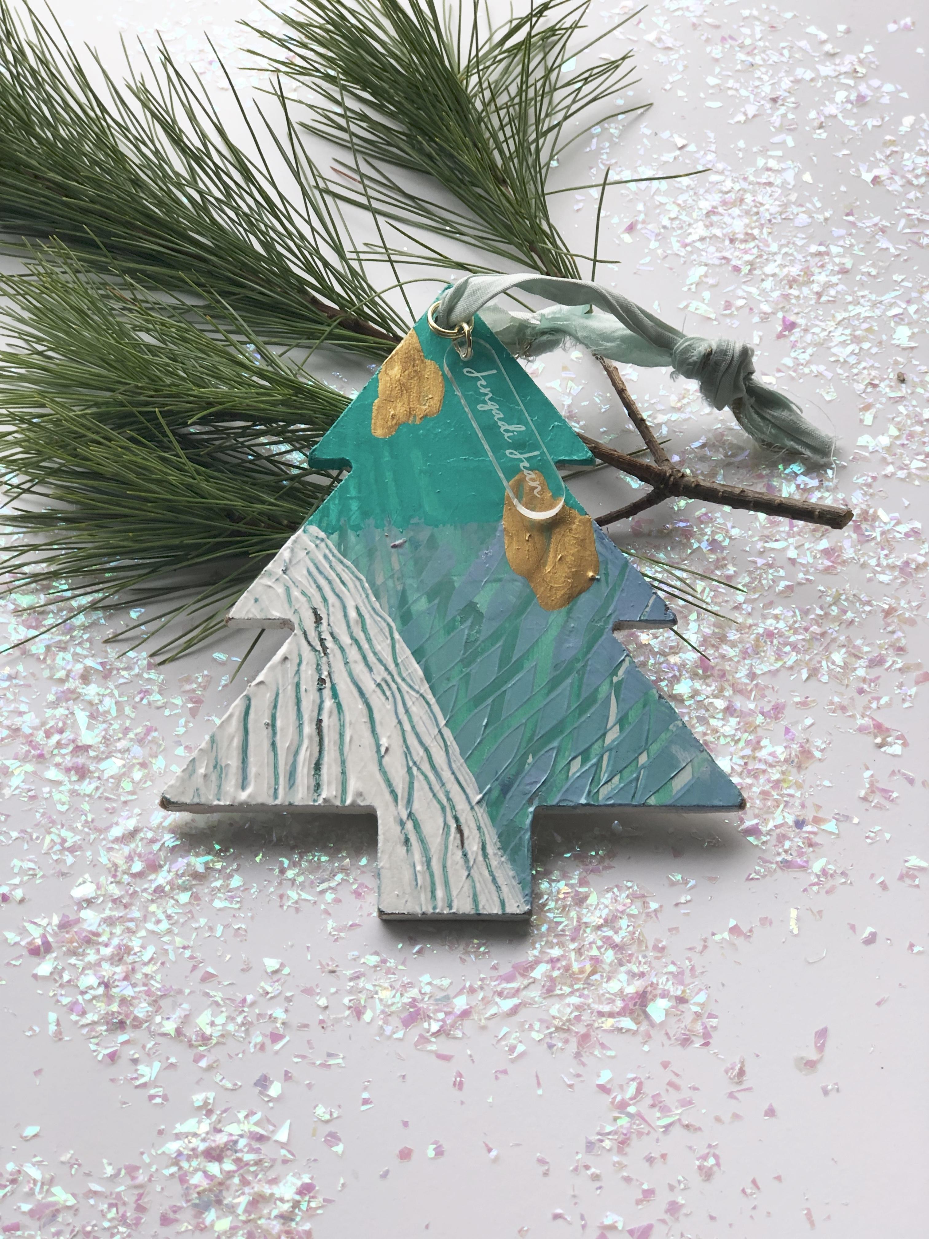 Ornament No. 3 00121