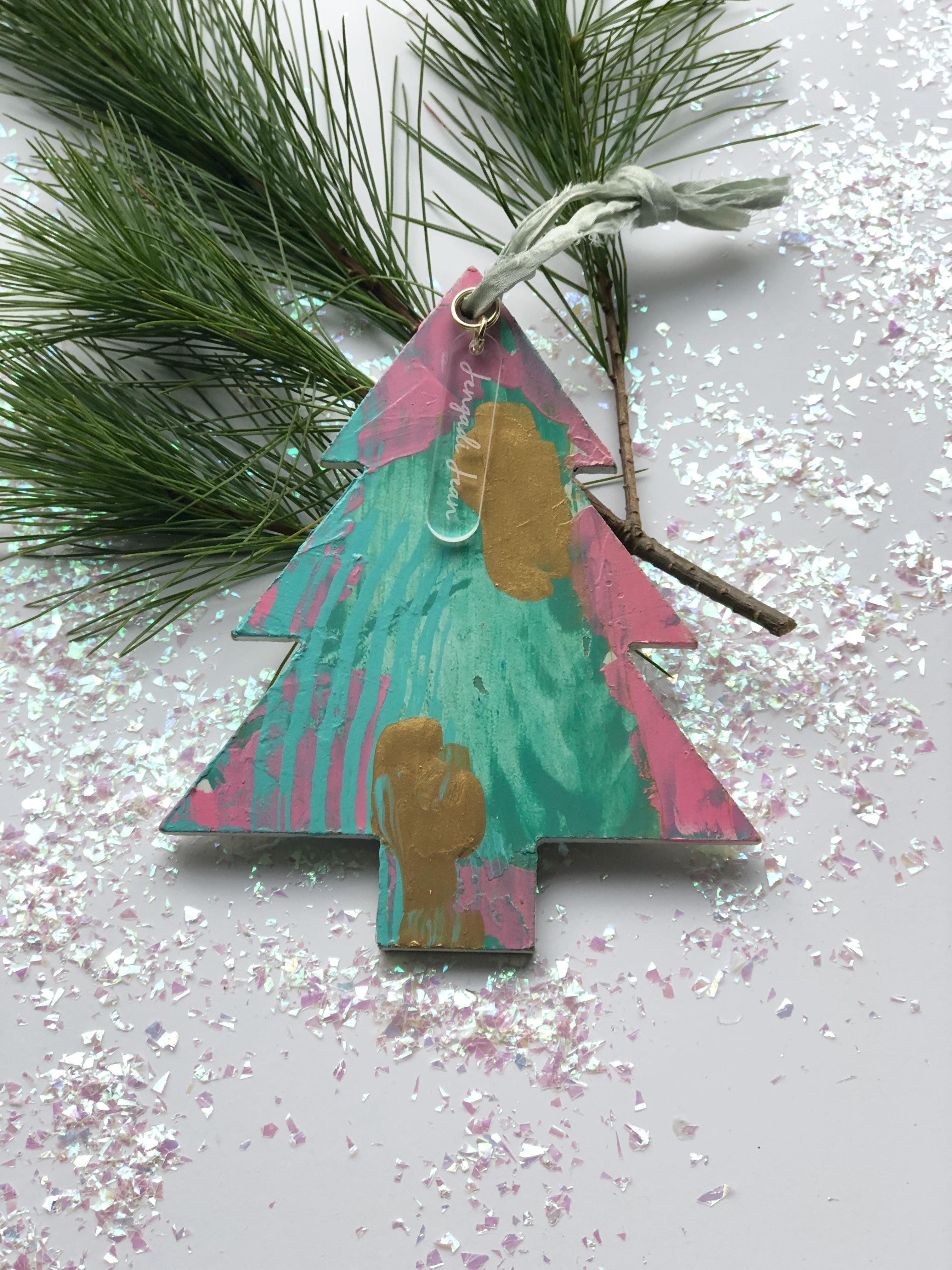 Ornament No. 6 00124