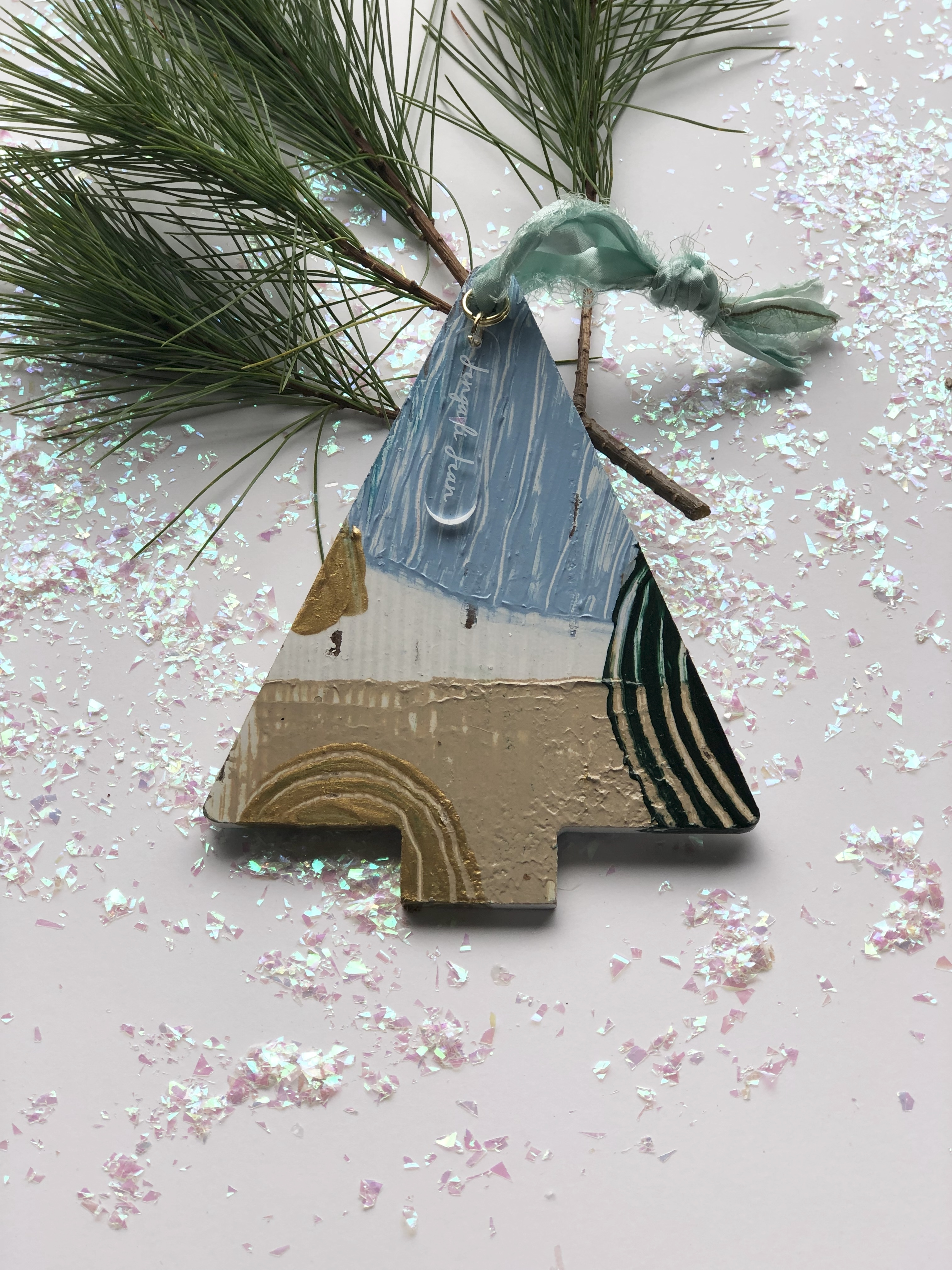 Ornament No. 8 00126