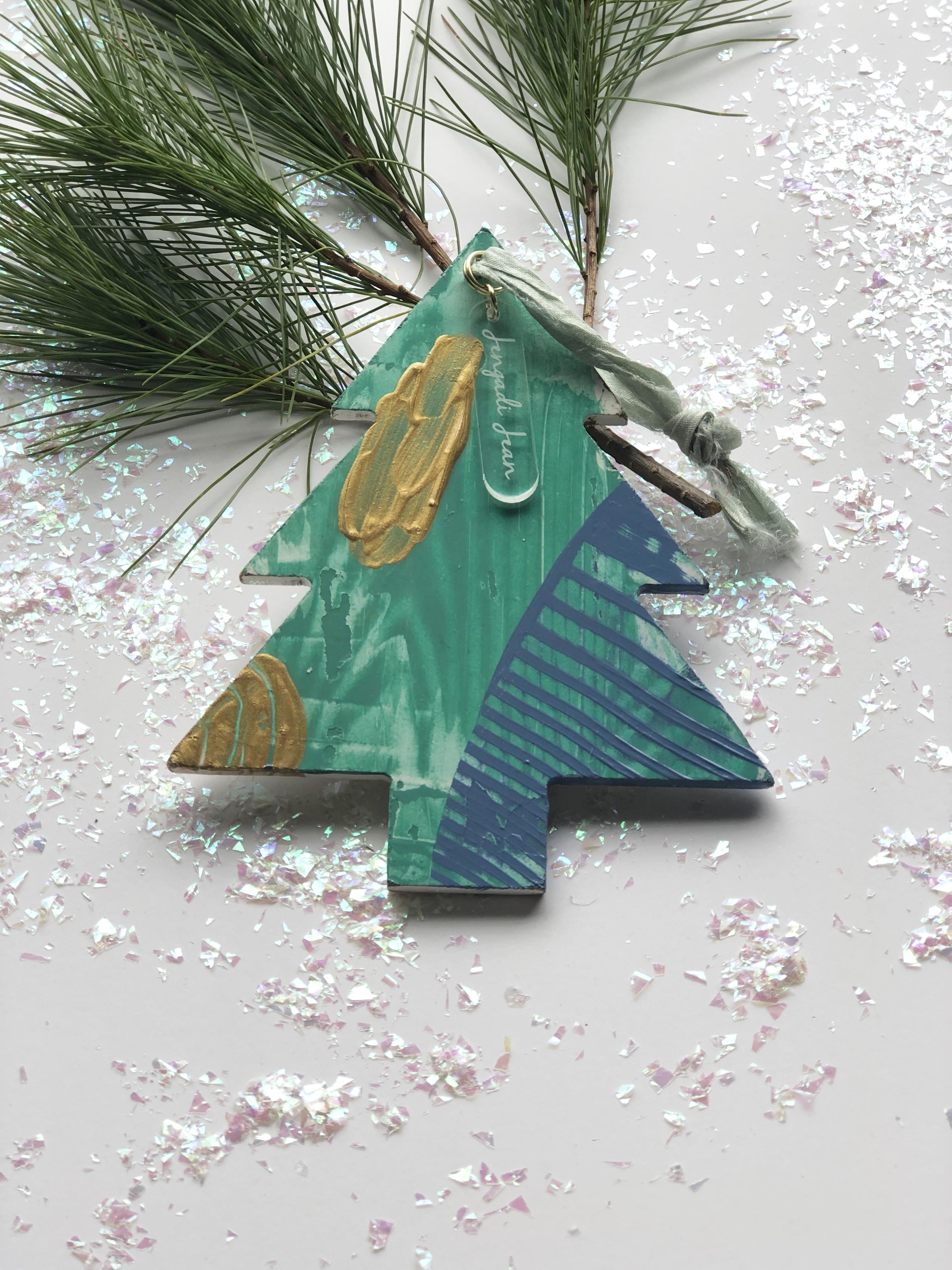 Ornament No. 9 00127