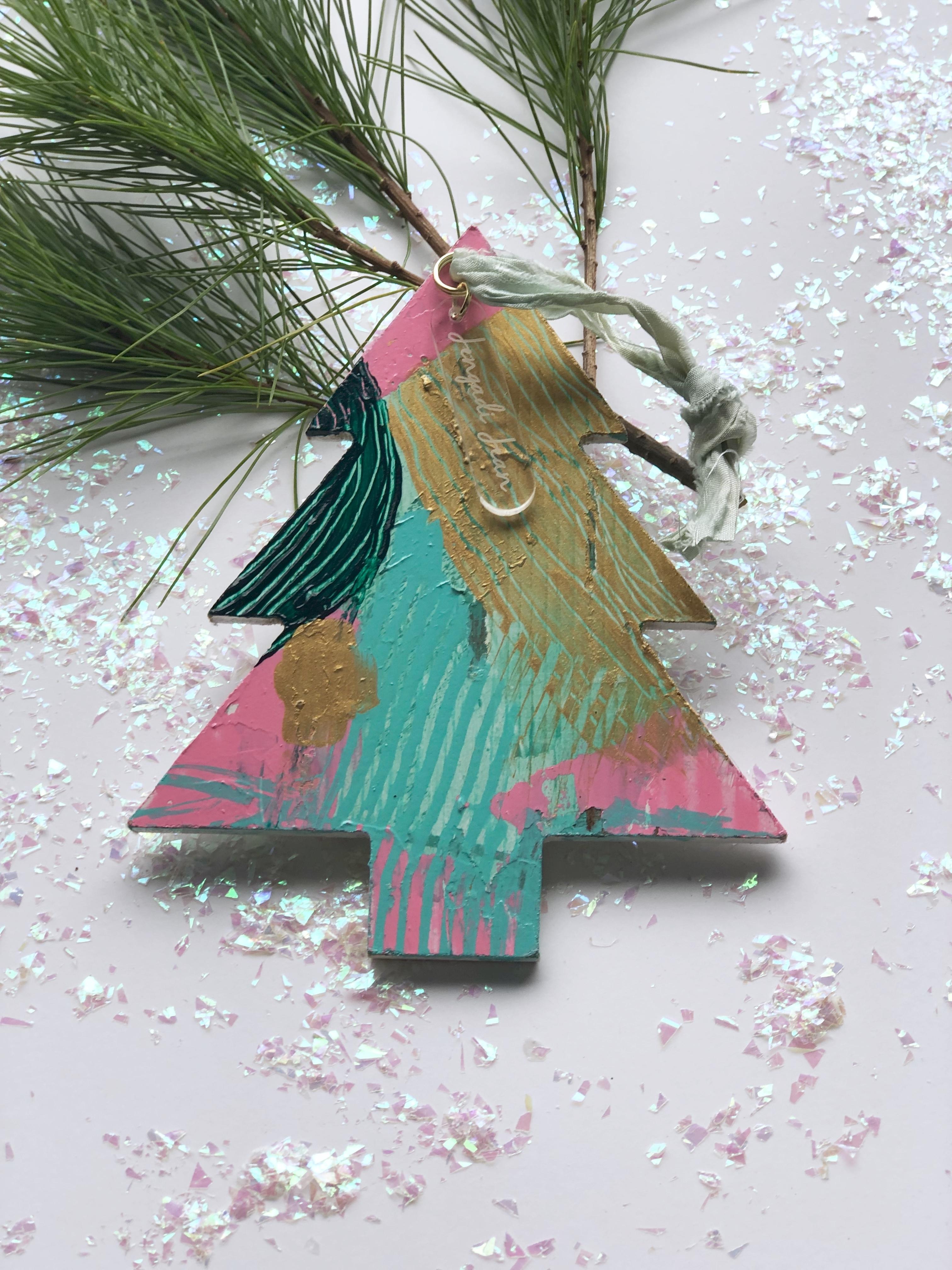 Ornament No. 10 00128