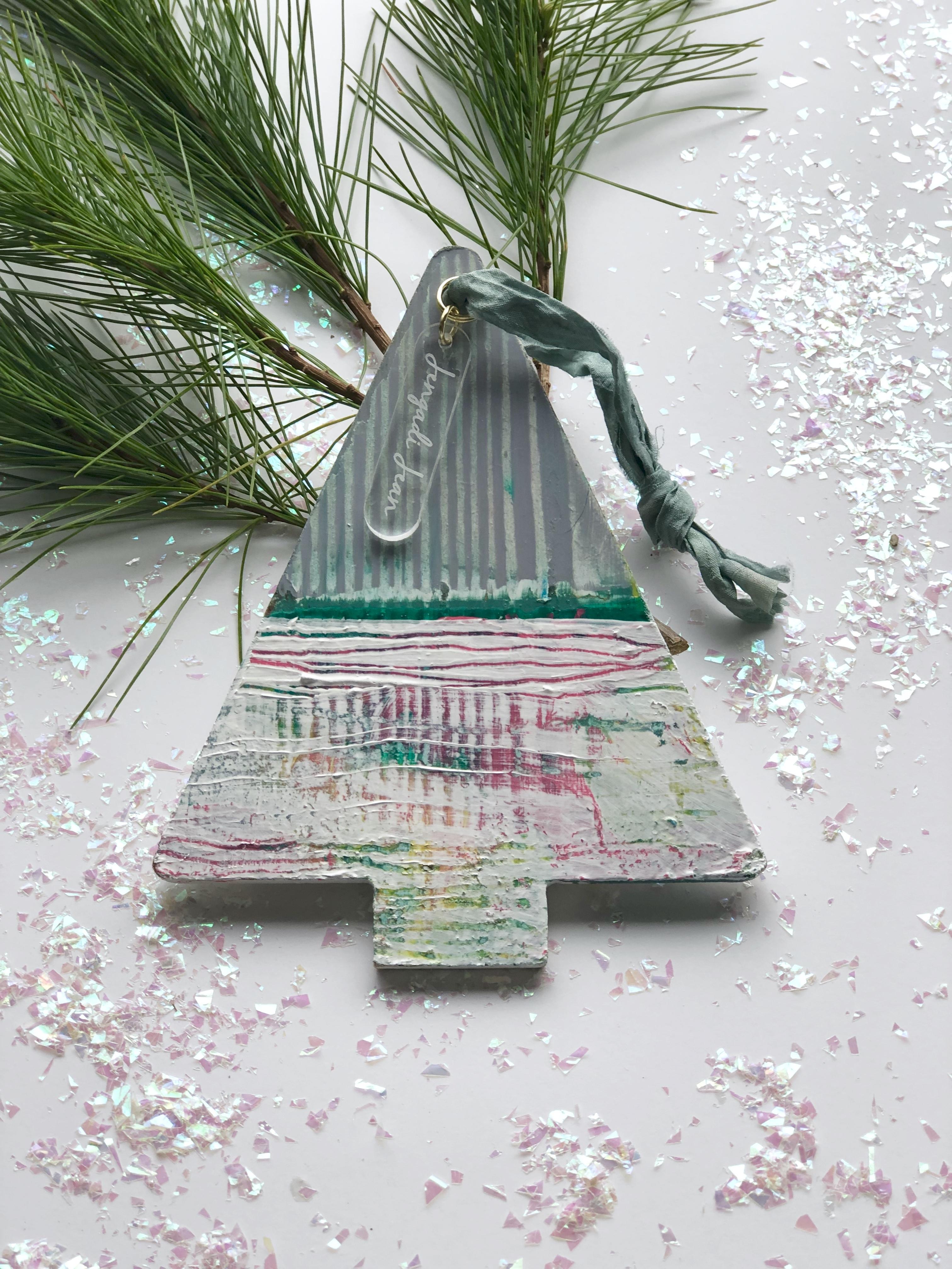Ornament No. 18 00136