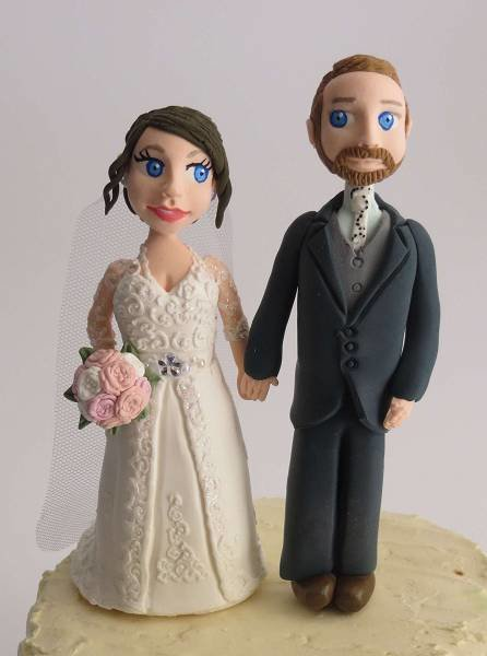 "Standing Couple with ""Realistic Faces""on round base board 00008"