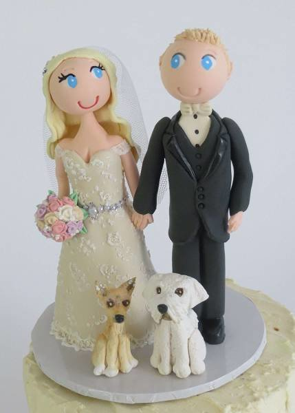 Standing Bride & Groom with 2 pets on round base board