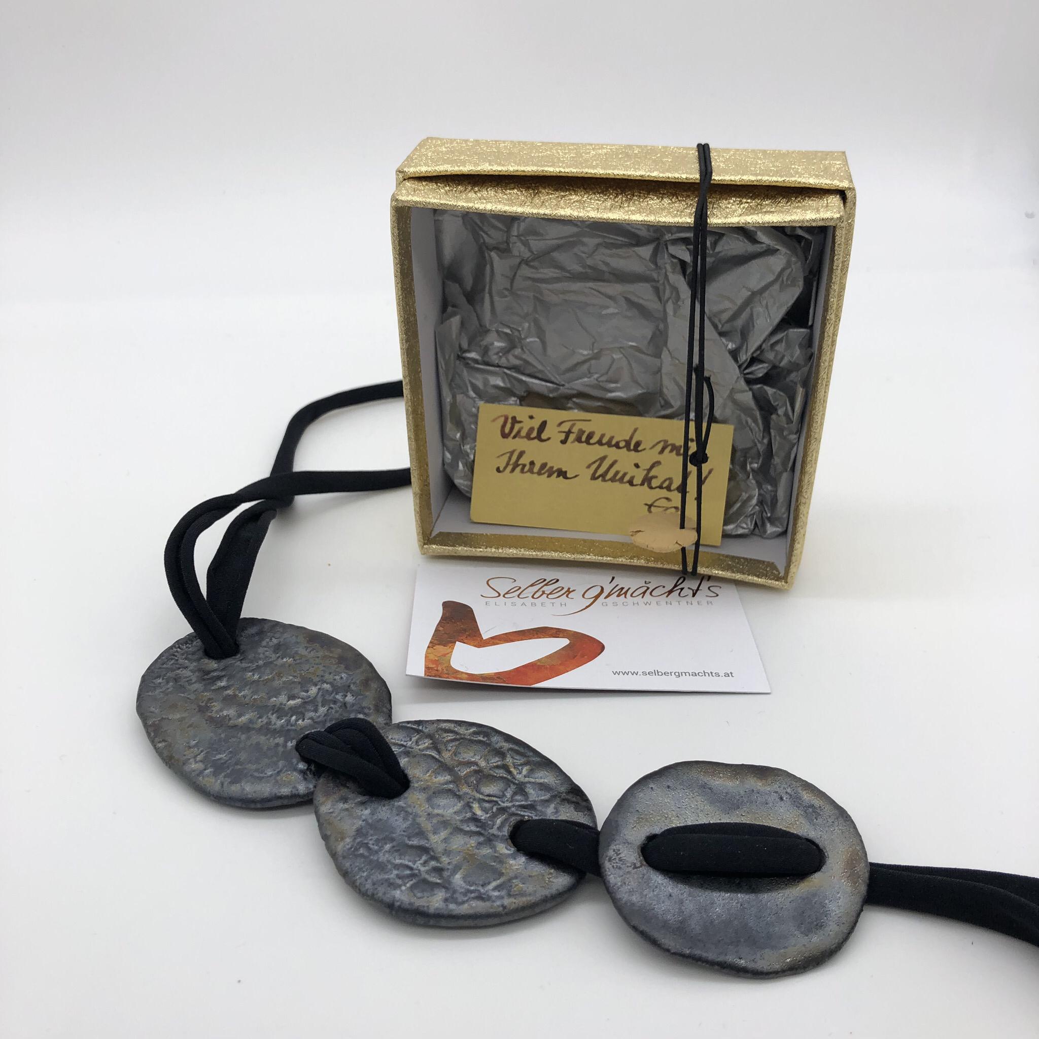 Kette mit drei Keramikscheiben, metallic glasiert - beidseitig tragbar - Scheiben und Länge variabel